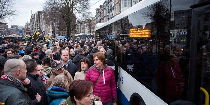 СМИ Нидерландов: Голландский референдум задуман Путиным