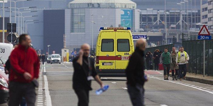 Число жертв взрывов в аэропорту и в метро Брюсселя растет
