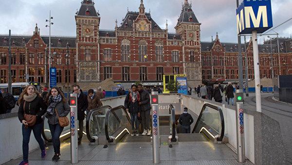 Голландский референдум: разрыв между «за» и «против» минимален