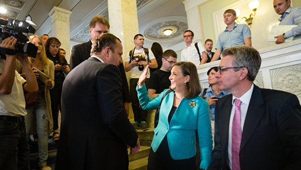 Кость Бондаренко: Пайетт останется премьер-министром и президентом Украины