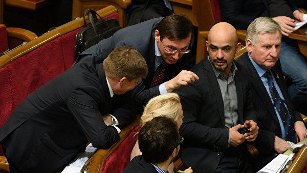 SZ: 2 года спустя на Украине без перемен, ведь «сам президент – олигарх»