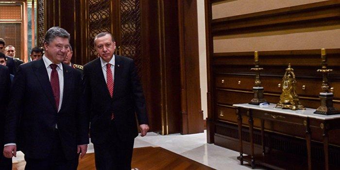 Эксперт: Порошенко может отдать Херсонскую область туркам
