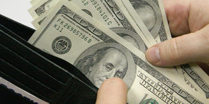 Каждый работающий украинец должен МВФ $650