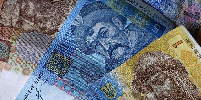 Налоговая начала охоту за скрытыми сбережениями украинцев
