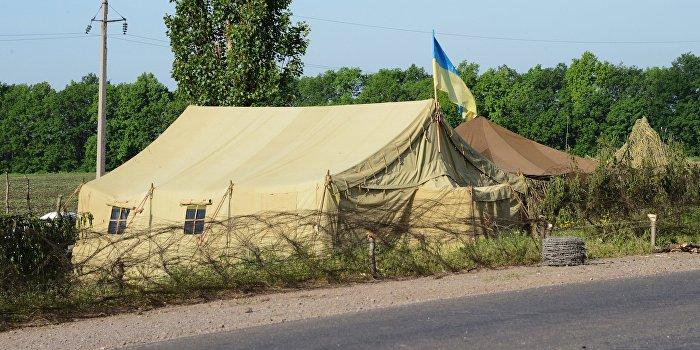 Первый дождь уничтожил 500 украинских армейских палаток