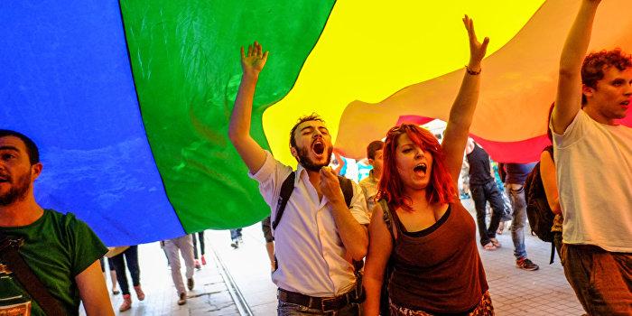 Киевские полицейские взбунтовались против геев