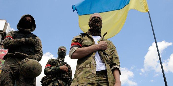 Националисты разбили лагерь под Киевом для блокирования крестного хода