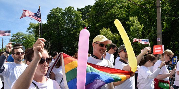 Евродепутат Хармс потребовала обеспечить безопасность на гей-параде