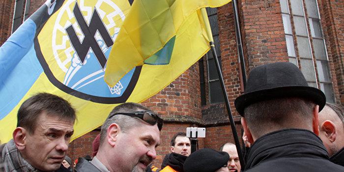 Корнилов: «Азов» - это таки «агрессивная секта»?