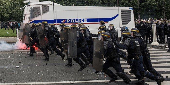 Франция не справилась с организацией Евро-21016