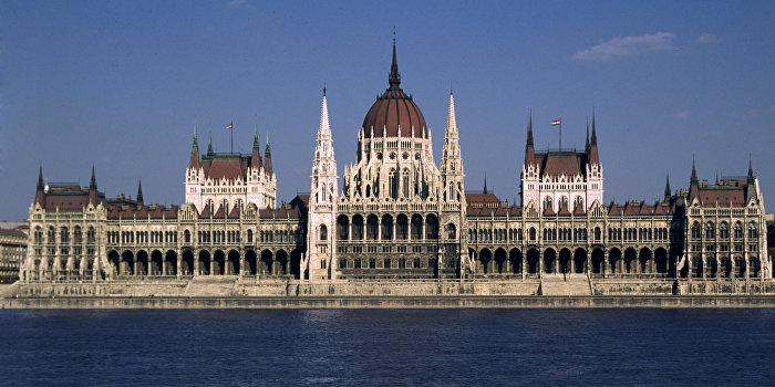 В парламенте Венгрии поддержали инициативу  об автономии венгров Закарпатья