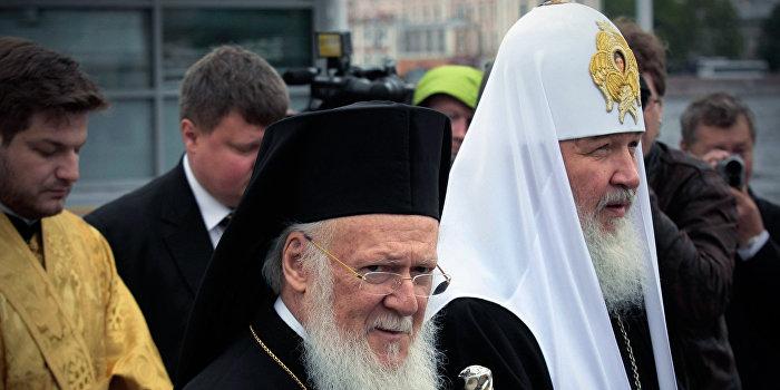 Константинопольский патриархат оставил решение об автокефалии украинской церкви за Москвой
