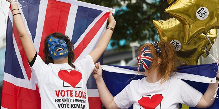 Около 3 млн британцев выступили за повторный референдум