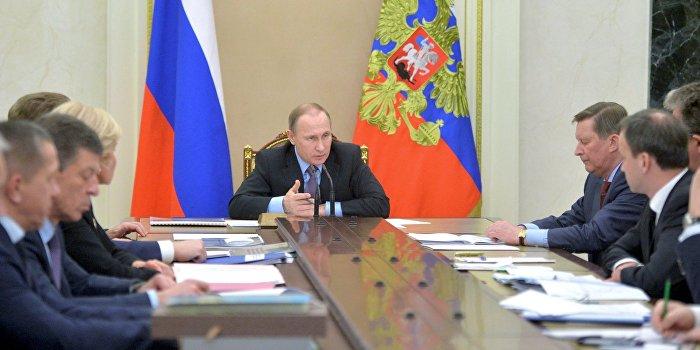Путин продлил действие контрсанкций до 31 декабря 2017 года