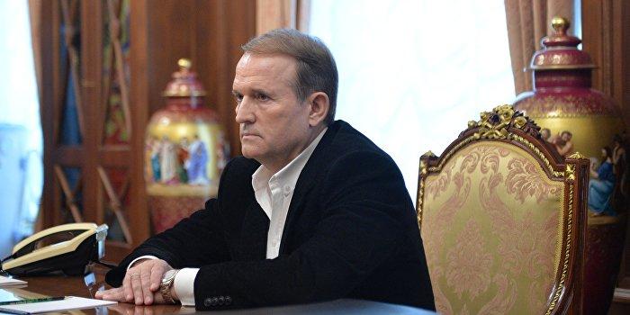 Медведчук обвинил Гройсмана в популизме