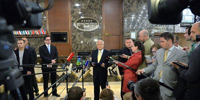 Контактная группа в Президент-отеле: ливень, драники и галстуки Сайдика