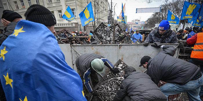 Новаковский: Катастрофы в экономике можно было избежать, отказавшись от ассоциации с ЕС