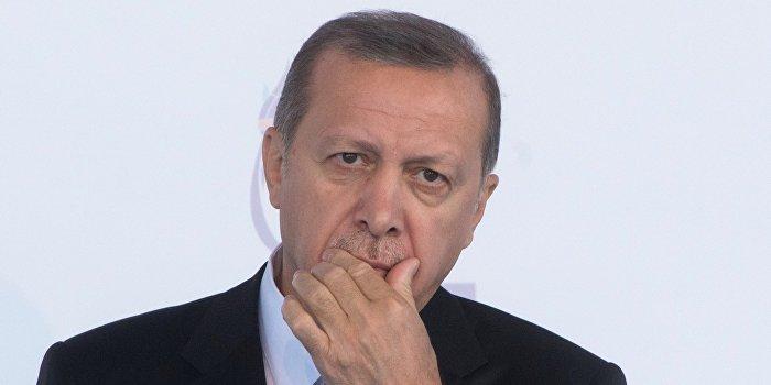 Эрдоган ввел режим чрезвычайного положения в Турции