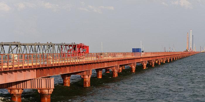 Полку строителей Крымского моста прибыло