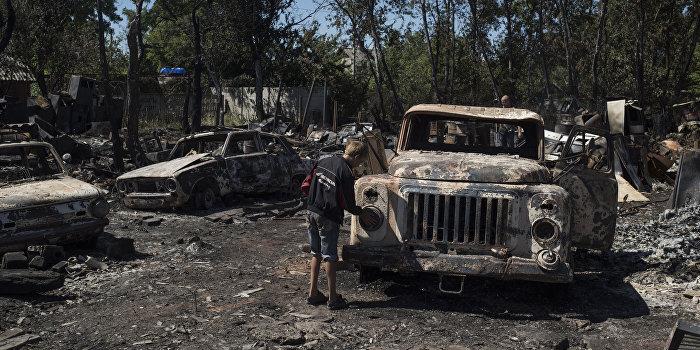 Донбасс снова в огне: вместо дипломатов заговорили бомбы