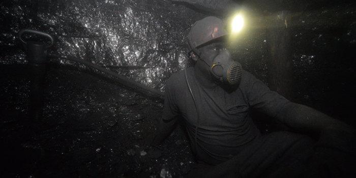 Порошенко собрался конфисковать донецкий уголь