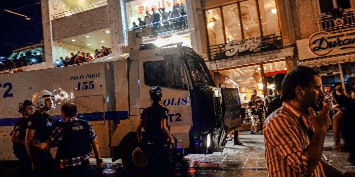 В Стамбуле взорвали полицейский участок, есть пострадавшие