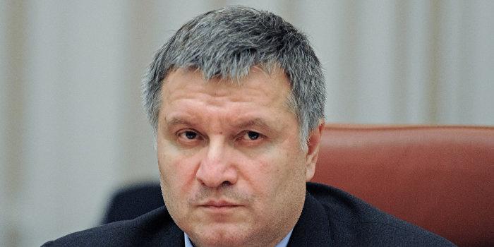 Аваков решил поставить на место Олланда