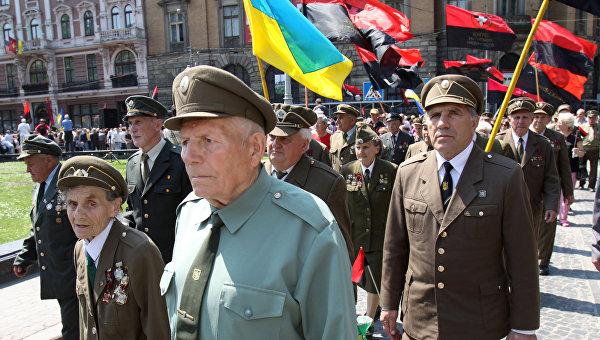 Появление портрета Бандеры и Шухевича на демонстрации в Минске вызвало шок