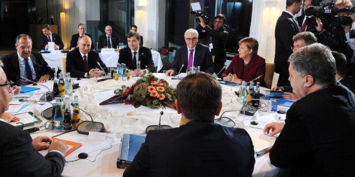 Штайнмайер: Антироссийскими санкциями угрожать не стоит