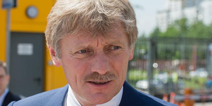 Песков рассказал детали разговора Путина и Порошенко в Берлине