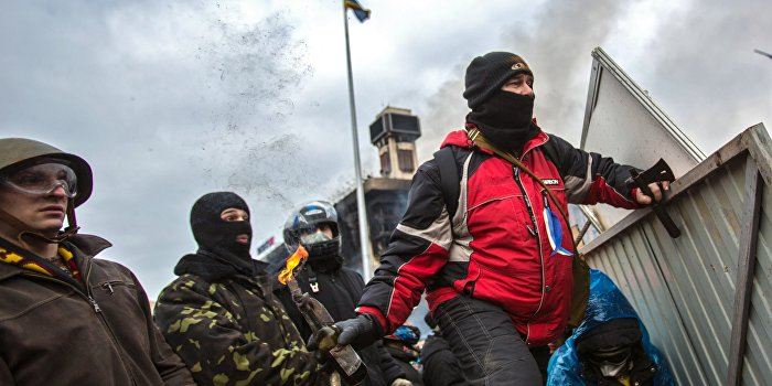 Азаров назвал количество убитых милиционеров на Майдане