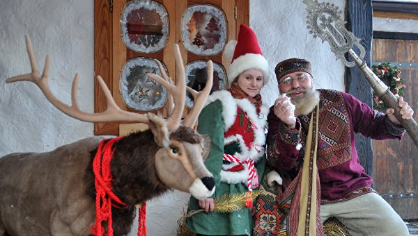 РИА Новости: В Киеве Деда Мороза заменили на Санта-Клауса