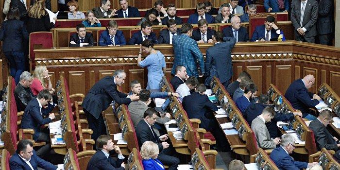 Под покровом ночи: что сулит украинцам бюджет на 2017 год