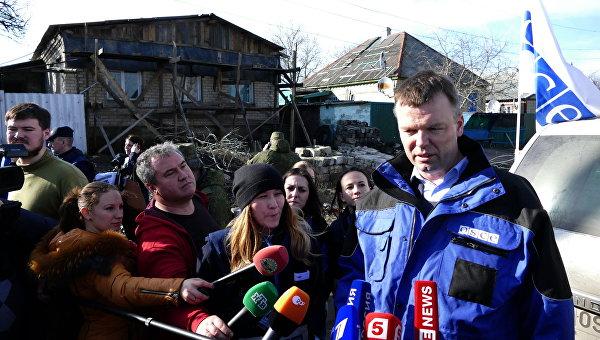 Пистолет у виска: Киев продолжает терроризировать жителей Донбасса угрозой военной эскалации