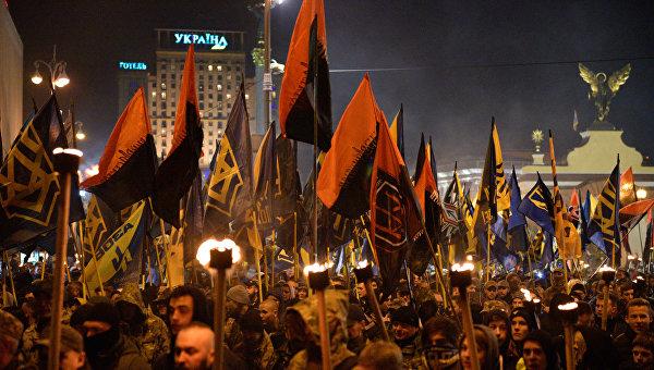Прозрение или заказ Порошенко? Запад заметил угрозу нацизма на Украине