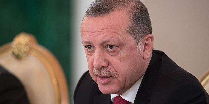 Эрдоган обвинил Меркель в нацизме