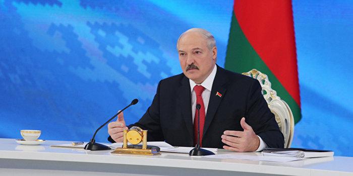 «Взгляд»: Лукашенко пытается выдать «тунеядцев» за «пятую колонну» и «боевиков»