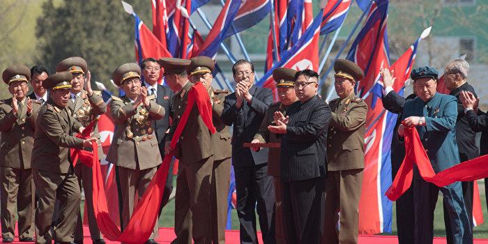 Победителей не будет: КНДР взяла на прицел авианосец и военные базы США