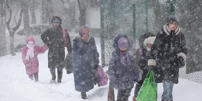 Стихия оставила без света более 100 украинских населенных пунктов
