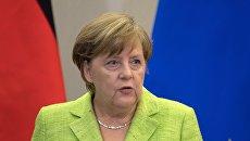 Косачев: Неплохо бы Меркель обратить внимание на Донбасс