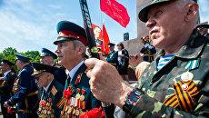 Вандалы осквернили могилы советских воинов и маршала Бажанова