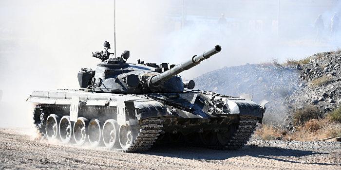 Порошенко объявил об отправке в Донбасс танков Т-80