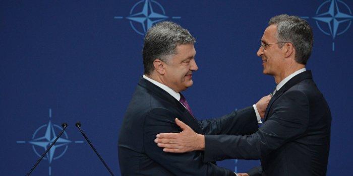 Порошенко: Украина подождет с подачей заявки на вступление в НАТО