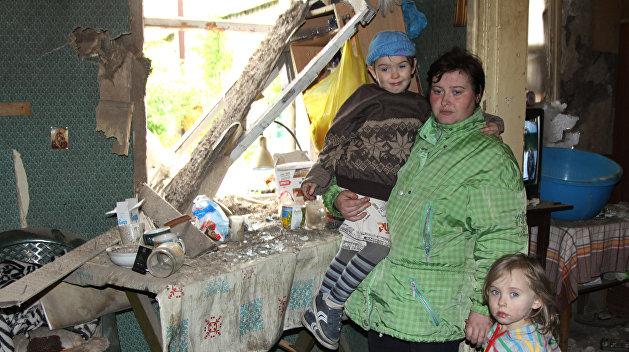 С вещами на вход: переселенцев с востока не ждут в Украине