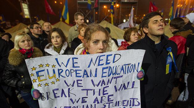 Операция «Деградация»: Половина украинских безработных имеют высшее образование