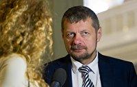 Печатным словом. Мосийчук избил чиновника в Тернопольской области газетой