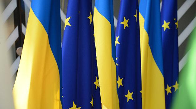 Украинцы видят будущее страны в НАТО и ЕС, а не в союзе с Россией и Белоруссией