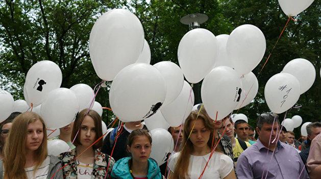 Для детей со всего Донбасса провели художественный мастер-класс в центре Донецка
