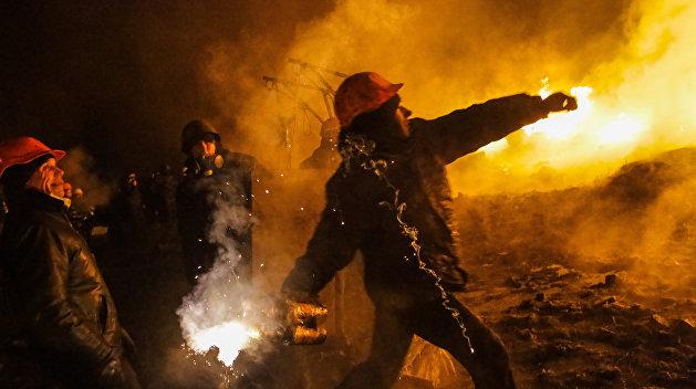 Радикалы забросали коктейлями Молотова суд в Одесской области