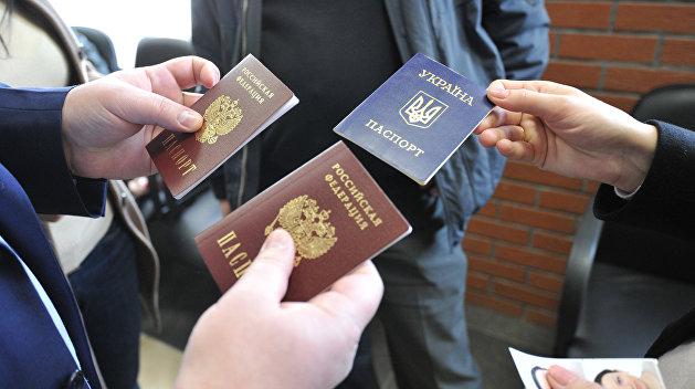 Климкин: Кто имеет российские паспорта, пусть сдают, иначе мы будем их вылавливать